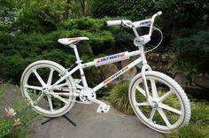 White Skyway TA/24 BMX Skyway Bmx, 24 Bmx, Bmx Cruiser, Bmx Racing, Bmx Freestyle, Bmx Bicycle, Old Bikes, Custom Bikes, Old School
