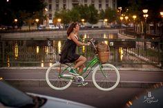 Scrieri blitz: Am bicicletă. E şi utilă şi cochetă.