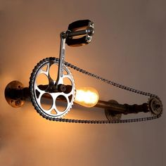 Vintage Loft Fahrrad Gang Kettenlampe Vintage loft bicycle gear chain lamp Related Post DIY Beton Lampe 40 Bohemian Minimalist with Urban Outfitters Bedro. Vintage Industrial Chest of Drawer/ Dresser/ Stora. Vintage Loft, Velo Vintage, Vintage Industrial Furniture, Vintage Lamps, Industrial Style, Industrial Pipe, Industrial Design, Vintage Style, Old Bicycle