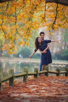 Looking to get a Pre Wedding Shoot done? Here are 21 Must Try Pre Wedding Photoshoot Ideas quirky & fun ideas to be capture with your loved one. Couple Picture Poses, Couple Photoshoot Poses, Photo Couple, Couple Shoot, Couple Pictures, Photo Poses For Couples, Indian Wedding Couple Photography, Wedding Couple Photos, Couple Photography Poses