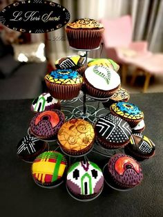 African print cupcake, motif africain, imprimé africain, wax. Black Panther Cupcakes