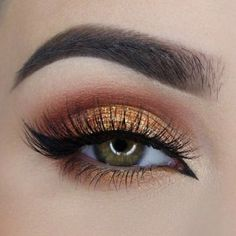 Gold eye make-up with slight cat liner in inner corner. Ideas for eye make-up. Makeup Geek, Prom Makeup, Skin Makeup, Makeup Inspo, Makeup Tips, Makeup Ideas, Makeup Tutorials, Makeup Designs, Makeup Brush