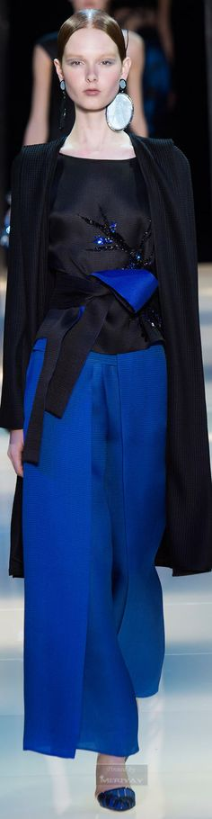 Armani Privé Spring 2015 Couture Fashion Show Blue Fashion, Fashion Week, High Fashion, Fashion Show, Fashion Looks, Fashion Design, Fashion Trends, Fashion Spring, Style Couture
