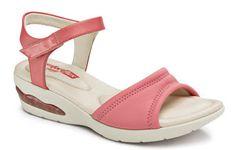 Chic e Fashion: Sandália com solado similar ao tênis