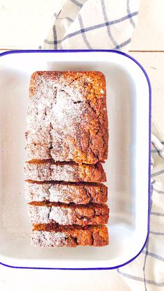 Oatmeal Apple Nut Cake - Holla the cook fairy-Haferflocken-Apfel-Nuss-Kuchen – Holla die Kochfee Oatmeal and apple walnut cake. Great for coffee or … - Healthy Dessert Recipes, Smoothie Recipes, Cake Recipes, Snack Recipes, Snacks, Healthy Cake, Cake Vegan, Walnut Cake, Gateaux Cake