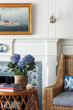 new england beach house interior New England Decor, New England Cottage, New England Style Homes, Coastal Living Rooms, Coastal Cottage, Living Room Decor, Living Area, Coastal Country, White Cottage