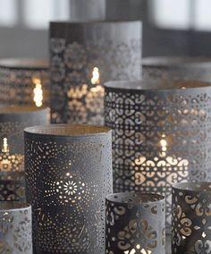Interieurideeën | DIY: geperforeerd papier om simpel recht glas wikkelen. Door MirjamL
