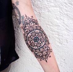 Les tatouages pointillistes de Jessica Kinzer