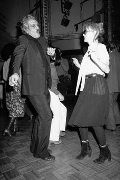 Actor Omar Sharif kicks up his heels on the dance floor at New York's Studio 54 on Tuesday, Nov. 30, 1977 with dancing partner Bulle Ogier, a French actress. It was Omar's first to the popular nightspot. (AP Photo) Ref #: PA.9667142  Date: 30/11/1977
