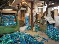 The Weird Tech and Brilliant Colors of the American Textile Mill | Bartlettyarns, Harmony, Maine   Christopher Payne  | WIRED.com