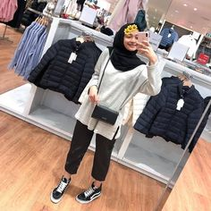 66 Ideas Style Hijab Fat Teen style actual scarf is an essential part while in the outfi Hijab Casual, Ootd Hijab, Hijab Fashion Casual, Girl Hijab, Hijab Chic, Muslim Fashion, Casual Outfits, Fashion Outfits, Casual Ootd