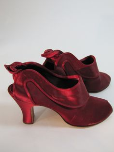 1940's Daniel Green Boudoir Red Wine Heeled Slippers