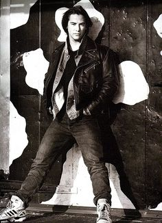 Keanu Reeves Photo: This Photo was uploaded by xSupernaturalxx. Find other Keanu Reeves pictures and photos or upload your own with Photobucket free ima. Keanu Reeves John Wick, Keanu Charles Reeves, Mel Gibson, Keanu Reeves Quotes, Keanu Reaves, Little Buddha, Divas, Raining Men, Attractive People