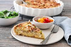 POTETTERTE MED LØK OG BACON A Food, Food And Drink, Lasagna, Quiche, Bacon, Chili, Breakfast, Ethnic Recipes, Pai