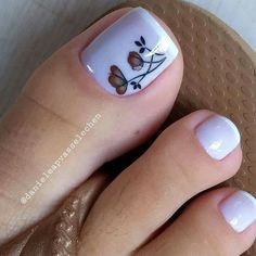 Semi-permanent varnish, false nails, patches: which manicure to choose? - My Nails Pretty Toe Nails, Cute Toe Nails, Pretty Toes, Pedicure Nail Art, Toe Nail Art, Acrylic Nails, Nail Nail, Feet Nail Design, Toe Nail Designs