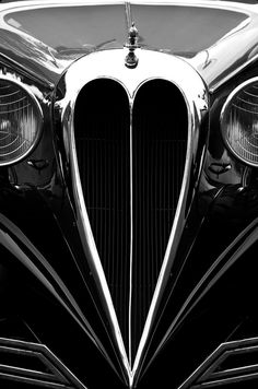 Sleek and Sexy Lines!  And its a car grill!