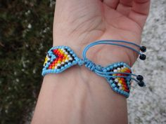 American by CreationSecondeNatur Thread Bracelets, Bead Loom Bracelets, Bead Jewellery, Beaded Jewelry, Jewelery, American Indian Crafts, Bead Loom Designs, Native Beading Patterns, Seed Bead Crafts