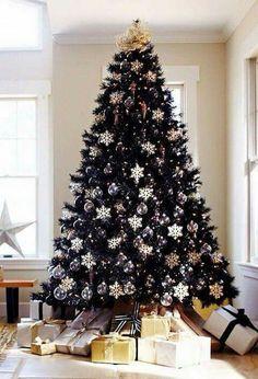 Árbol de Navidad  verde con dorado, lila y blanco