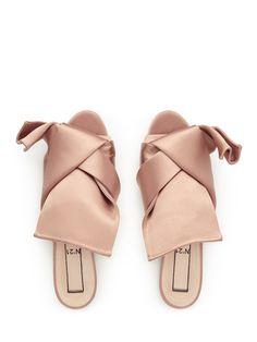 No.21 Bow Satin Sandals Image 2