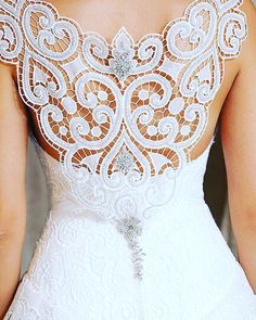 What spectacular details! Enjoying an early bridal moment. Image via Hellomagazine.com. #love #partyideas #partyplanner #partystyling #partyplanning  #eventdesign #eventplanner  #wedding #weddingideas  #weddingplanner #weddingphotography #diyparty #diywedding #beautiful #thepartyatelier  #weddingdress #bride #bridalfashion #bride2be #instabride #weddinggown #amazing #white #fashion #weddingjewelry #jewelry #bridaljewelry #engaged #brides #weddingpearls