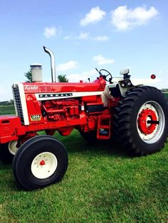 FARMALL 1206 my absolute favorite to ever wear red paint!!!!!
