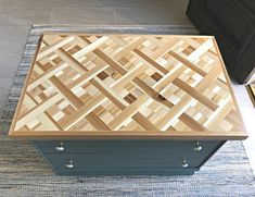 Tips and how to video for this beautiful DIY Wood Mosaic Table Top. These steps can be used to make this as geometric wood wall art too! Diy Furniture Plans, Furniture Makeover, Garden Furniture, Scrap Wood Art, Easy Woodworking Projects, Woodworking Plans, Wood Mosaic, Wood Wall, Bowling Ball