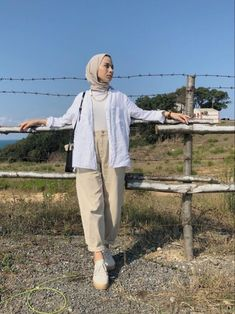 Hijab Fashion 499899627393307690 - Source by ikhlastriki Hijab Fashion Summer, Modest Fashion Hijab, Modern Hijab Fashion, Street Hijab Fashion, Hijab Fashion Inspiration, Mode Inspiration, Muslim Fashion, Fashion Fashion, Latest Fashion