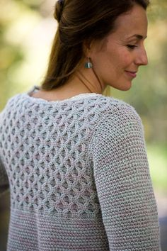 I love the windowpane pattern in this crochet pullover. Frosted Windowpane Pullover - Media - Crochet Me