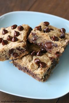 Gluten-free Double Chocolate Chip Cookie Bars - perfect recipe for potlucks, lunchbox treats or mailing! (Only use tsp salt) Gluten Free Cookie Recipes, Gluten Free Sweets, Gluten Free Cookies, Gluten Free Baking, Free Recipes, Gluten Free Potluck, Keto Cookies, Gluten Free Chocolate Chip Cookies, Chocolate Chip Cookie Bars