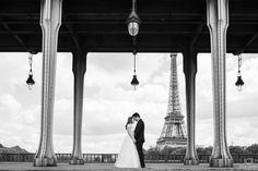 Noivos em Paris . #paris #ensaiosfotograficosemparis #ensaiosfotograficosemparis #louvre #fotosparis #fotoemparis #fotografobrasileiroemparis #fotografoemparis #ensaioluademel #fotoemparis #fotografoemparis #ensaioparis #ensaioparis #filipexavierphotography #bookparis #lovesession #ensaioromanticoemparis