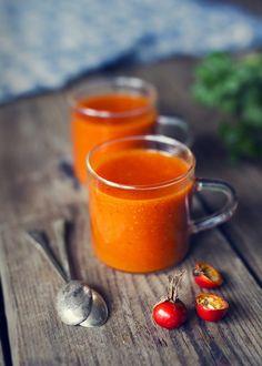 Hemmagjord Nyponsoppa Fruit Recipes, Fall Recipes, Wine Recipes, Baking Recipes, Soup Recipes, Norwegian Food, Good Food, Yummy Food, Just Eat It