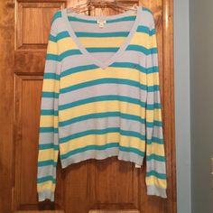 Selling this American Eagle Outfitters v-neck sweater XL in my Poshmark closet! My username is: 15sunflower15. #shopmycloset #poshmark #fashion #shopping #style #forsale #American Eagle Outfitters #Sweaters
