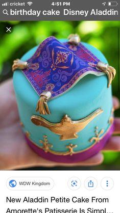 Shining, shimmering, splendid creation from Amorette's Patisserie! Introducing the new Aladdin-inspired petit cake… Disney Cupcakes, Disney Desserts, Disney Food, Cupcake Cakes, Festa Tema Arabian Nights, Arabian Nights Party, Jasmin Party, Princess Jasmine Party, Cinderella Princess