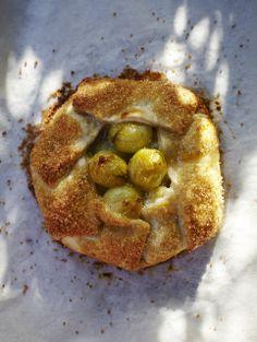 Gooseberry and elderflower pies