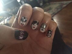 the band kiss inspired nails! nails-clothes-fashion-etc Kiss Nails, Hot Nails, Hair And Nails, Concert Nails, Kiss Concert, Los Kiss, Band Nails, Nails Only, Kiss Band