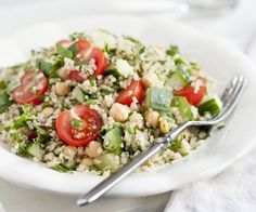 Rezept: Quinoa-Tomaten-Salat mit Kichererbsen
