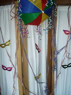 Decoração para o carnaval Diy And Crafts, Rose, Outdoor Decor, Party, Home Decor, Carnival Decorations, Ball Decorations, Fiesta Party, Flowers