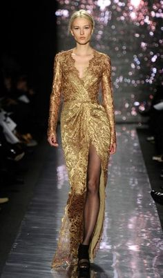 Naeem Khan Fall 2012 - love the long sleeves and the neckline.