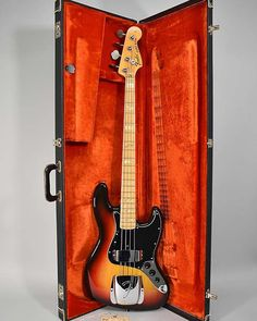 Instagram Fender Jazz Bass, Bass Guitars, Fender Precision Bass, Custom Guitars, Acoustic, Beautiful Things, Electric, Vintage, Nice