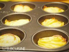Diesen superleckeren und unheimlich knusprigen Kartoffelstapeln muss ich einen eigenen Beitrag widmen. Den Tipp dazu hat Katharina auf Facebook gepostet und das Ursprungsrezept stammt von Life & Thyme. Richtig attraktiv ist diese Beilage durch ... Main Dishes, Side Dishes, Cook N, Sous Vide, Pampered Chef, Griddle Pan, Low Carb Keto, Potato Recipes, Muffins