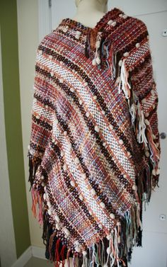 Poncho Estilo Mexicano No Tear Blanket, Weaving, Weaving Looms, Yule, Mexican Style, Projects, Blankets, Carpet, Quilt