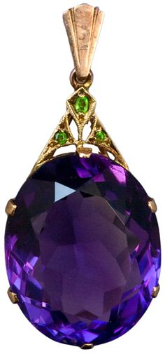 Art Deco Siberian Amethyst Pendant c. An Art Deco Siberian Amethyst Demantoid Garnet and Rose Gold Pendant. The pendant features an oval cut large Siberian amethyst with an approximate weight of 305 carats. The Art Deco gold mount is set with. Art Deco Jewelry, Fine Jewelry, Jewelry Design, Jewellery, Jewelry Necklaces, Purple Jewelry, Amethyst Jewelry, Rose Gold Pendant, Amethyst Pendant