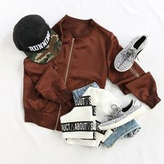 Pair your bomber jacket with a sweatshirt and yeezy sneakers for a casual sporty styled look. #casualstreetstyle #bomberjacket #streetfashion #ootd #sportystyle #romwe