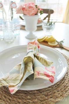 Pottery Barn Inspired Round Jute Placemats-Easy DIY Tutorial so easy and great for beach cottage, coastal nautical home or french farmhouse + rustic country + Americana.