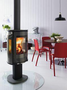 Jotul Red Dot Design winner - 360 degree wood burning stove