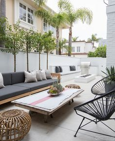 Great backyard inspiration. Home Tour: Bright and Beach in Cali - Damask & Dentelle blog