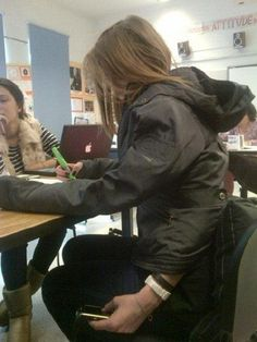 Clever Classroom Texting - SunnyLOL. Funny pictures, Epic fails