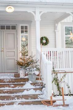 Vianoce, vianočná výzdoba, vianočné dekorácie, advent / Christmas, christmas home decoration - Inšpirácie Swedish Cottage, Swedish House, Deck Design, House Design, Diy Pergola, Pergola Kits, Cheap Pergola, Patio Roof, Porches