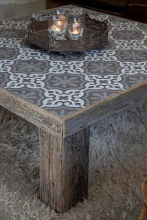 140 Gorgeous Outdoor Tables: The Rustic Style Pallet Furniture, Furniture Makeover, Painted Furniture, Furniture Design, Rustic Furniture, Tiled Coffee Table, Outdoor Coffee Tables, Decoration Palette, Tile Tables