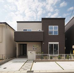 施工事例写真:CUBIC-STYLEがここちいい家 Japan House Design, Small House Design, Studio Apartment Floor Plans, Japanese House, Building Design, Exterior Design, Interior Architecture, House Plans, Mansions